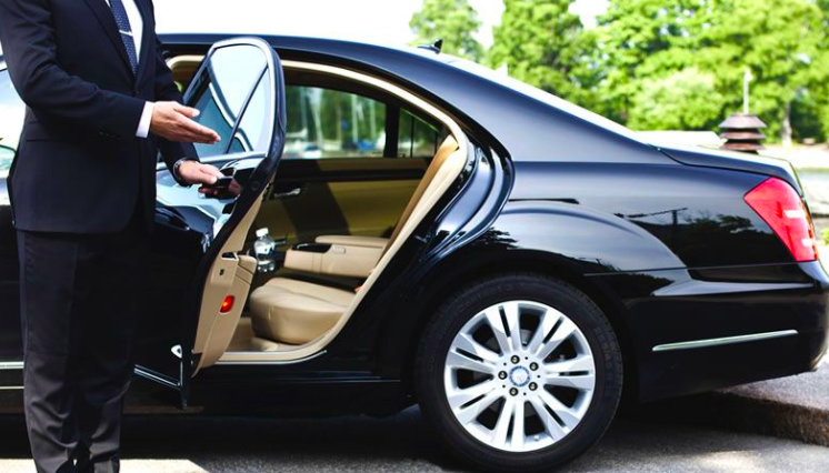Why Sedan Service is Great for Your Guests to the Business Meeting